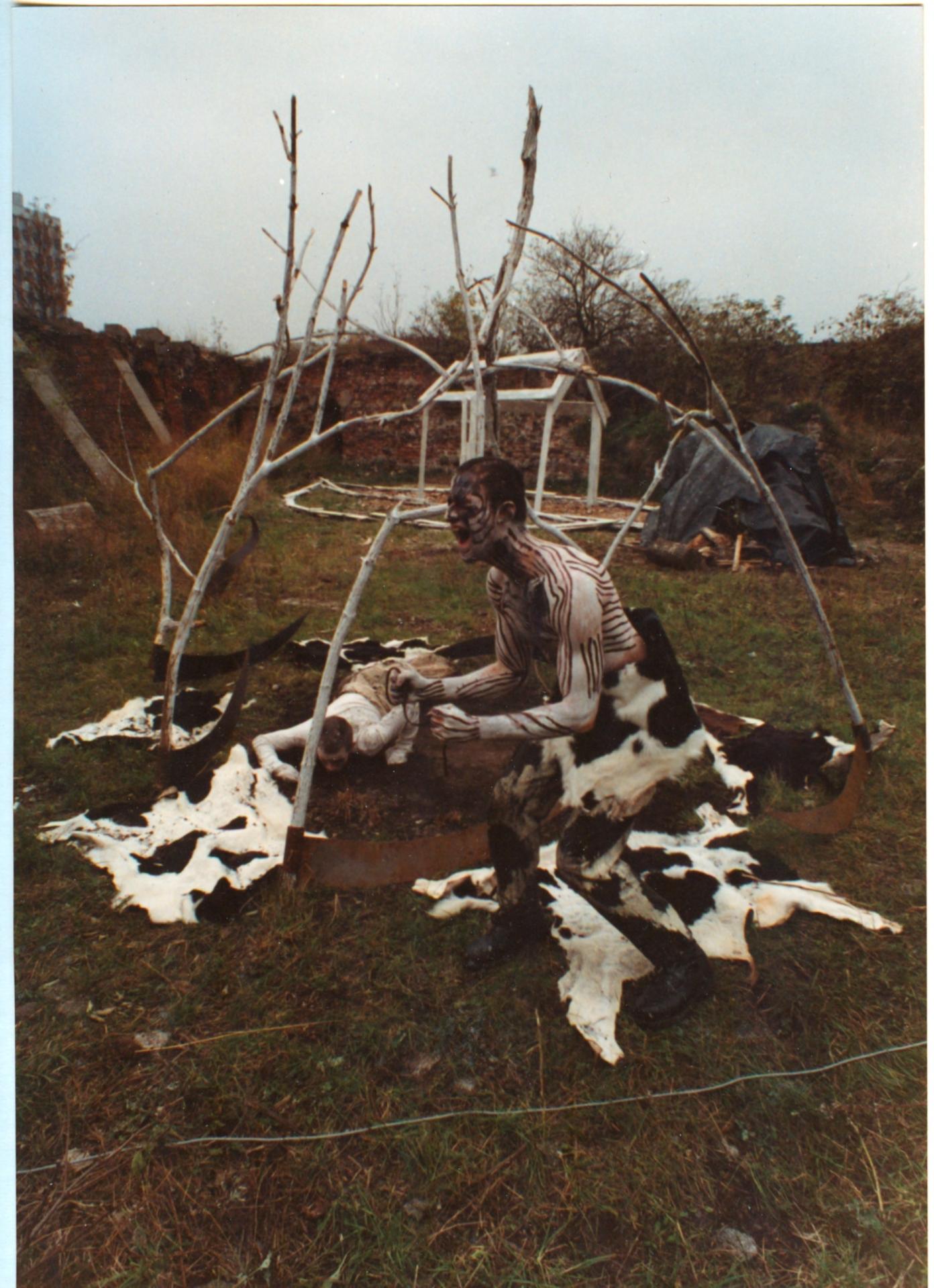 Ziemia Mindel Würm, CH3 NH CH 2, Gdańsk, 1990, dzięki uprzejmości Marka Rogulskiego i Piotra Wyrzykowskiego