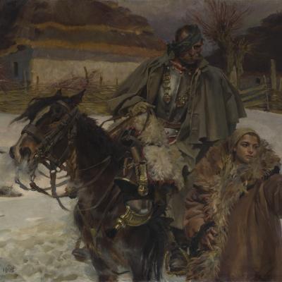 """Wojciech Kossak, """"Ranny kirasjer i dziewczyna"""", 1908, z kolekcji Muzeum Sztuki w Łodzi: Mężczyzna z przepaską na dłoni siedzi na koniu. Dziewczyna w futrze wskazuje mu palcem drogę. W tle znajduje się dom, ziemia pokryta jest śniegiem."""