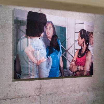 """Wendelien van Oldenborgh, """"Przypis do Après la reprise, la prise"""", 2016, wydruk lentikularny,  92 cm x 170 cm, Kunsthalle (Wien), fot. Kunst-Documentation.com, dzięki uprzejmości artystki"""
