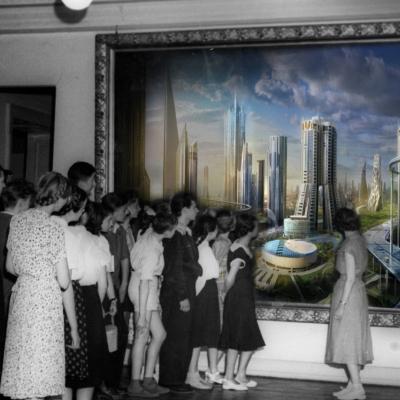 fot. Członkowie Koła Miłośników Sztuki zwiedzają Galerię Malarstwa Polskiego w Muzeum Sztuki w Łodzi, fotomontaż