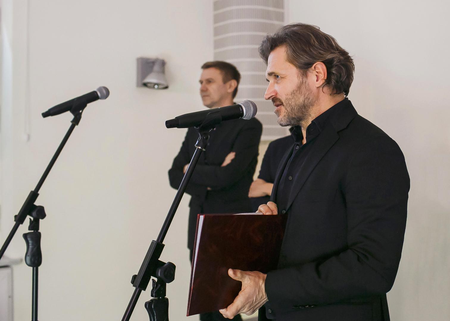 Dyrektor Muzeum Sztuki w Łodzi Jarosław Suchan