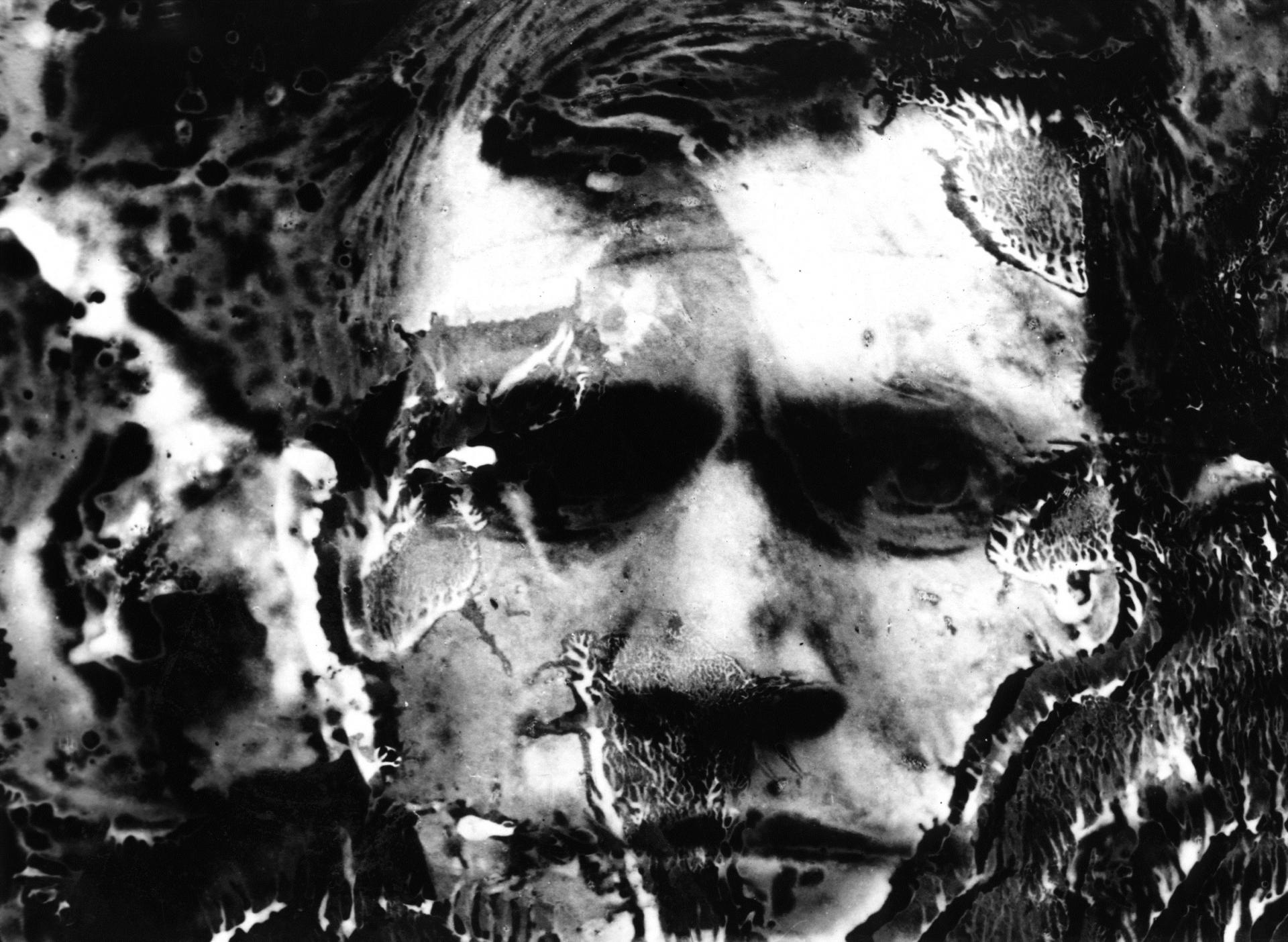 Józef Robakowski, Autoportret, 1967, technika własna, odbitka żelatynowo-srebrowa, kolekcja Muzeum Sztuki w Łodzi