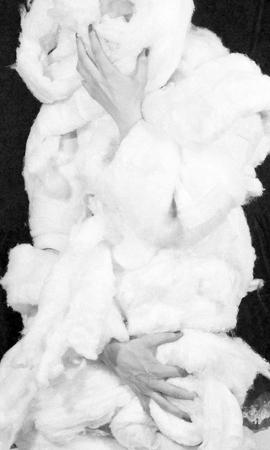 """Teresa Tyszkiewicz, """"Wata 2"""", 1981, fotografia czarno-biała, dzięki uprzejmości artystki"""