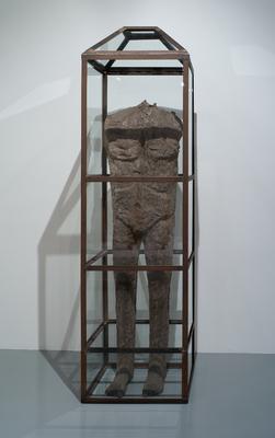 "Magdalena Abakanowicz ""Figure Behind Glass"", 1989-1991"
