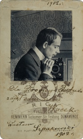 "W. Szpakowski, ""Self-portrait"", 1902, photograph, 6,7 × 11,8 cm, collection of Muzeum Sztuki"