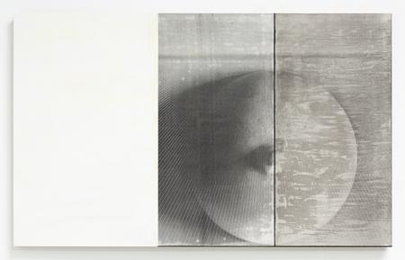 RH Quaytman, The Sun Does Not Move, Chapter 35, 2019 Acrylic on Panel © R.H. Quaytman