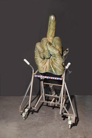 """John Isaacs, """"Przynosząc to wszystko z powrotem do domu (Zatańczmy)"""",  2007, fot. Arthur Toqué, Kolekcja Antoine'a de Galberta, Paryż"""