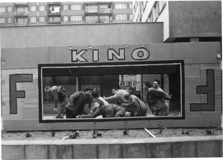 Praffdata, HOLIŁÓDŹ action on Children's Day, Łódź Bałuty, 1987, photo Tomek Jagodziński, archive of Praffdata