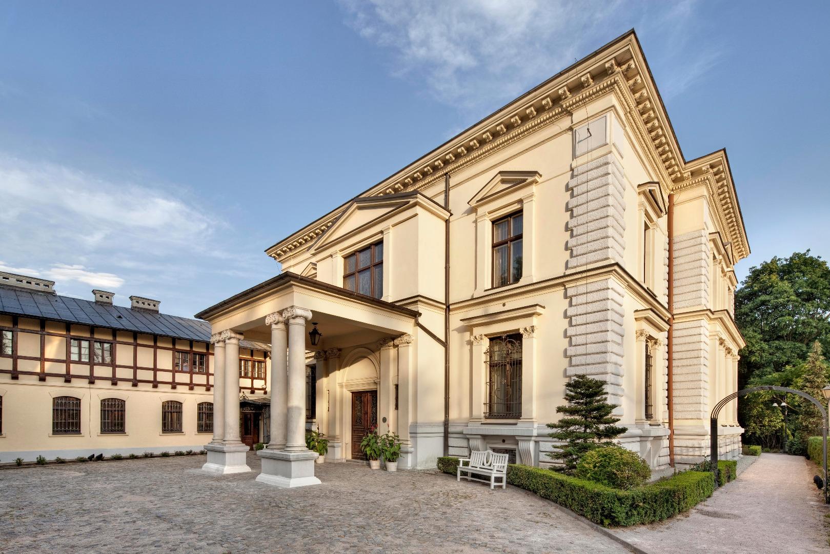 Bydynek Muzeum Pałac Herbsta
